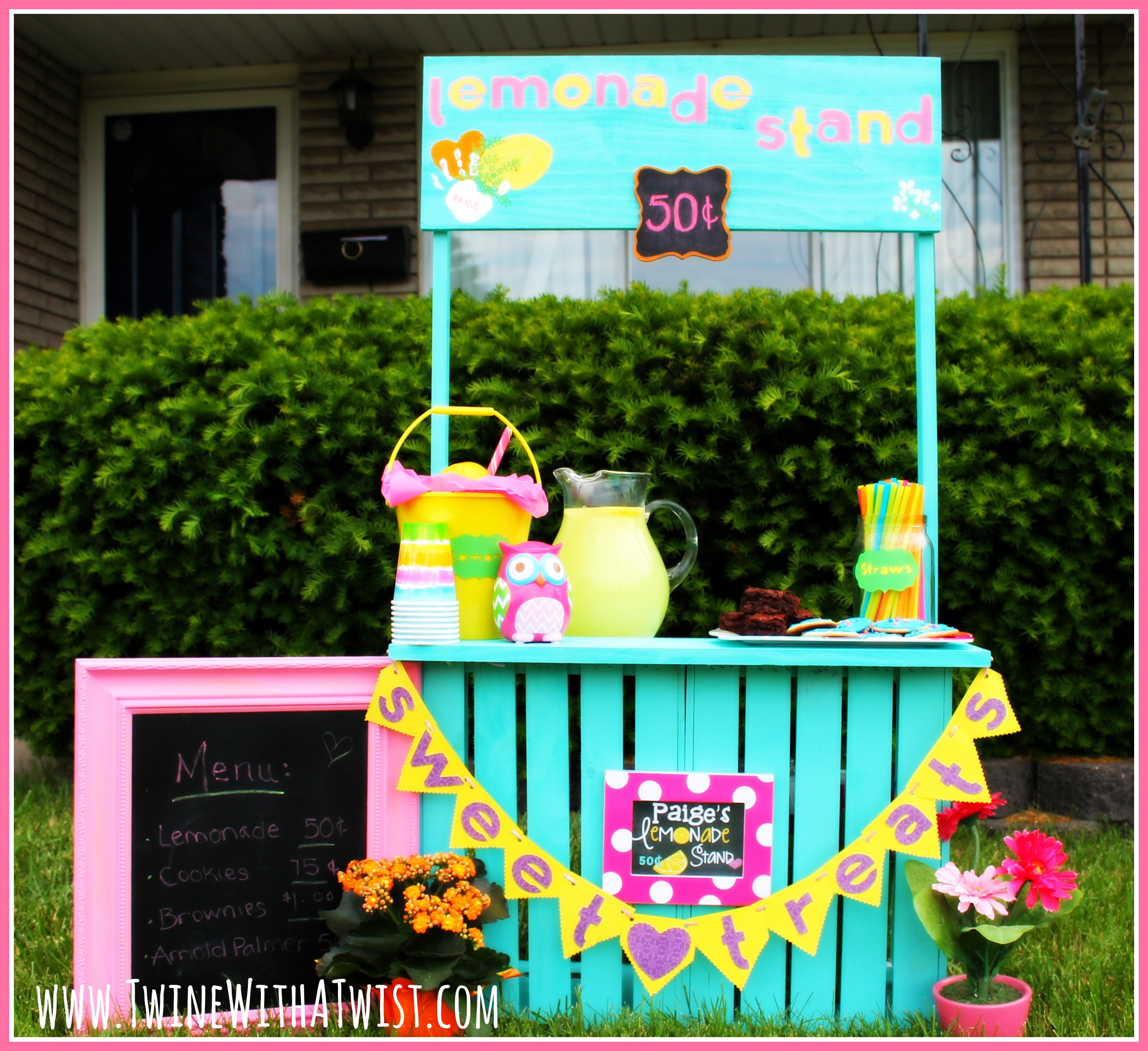 DIY: {Simple} Lemonade Stand under $40 {Guest Post}